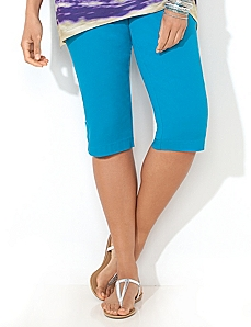Button Trim Capri