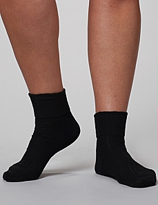 Scallop Ribbed Ankle Socks by CATHERINES