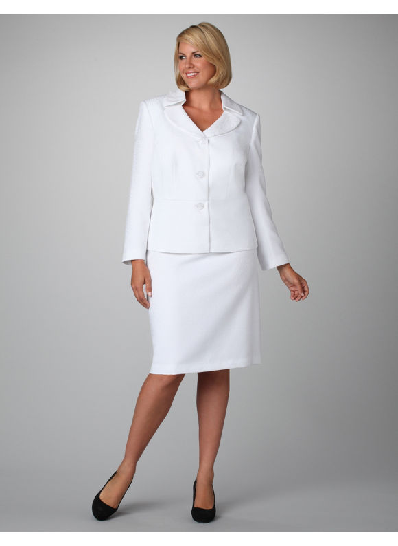 Women s Plus Size/Plumberry Embellished Shantung Skirt Suit - Size
