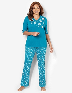 Snowflakes Pajama Set by CATHERINES