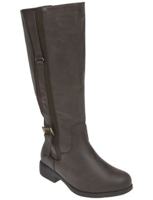 Buckled strap riding boot