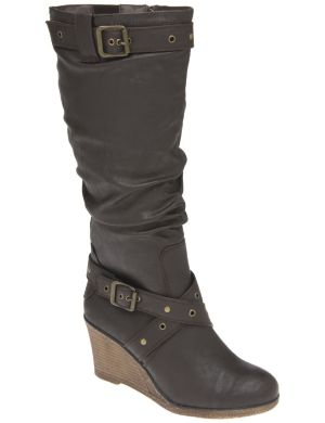 Belt accent wedge boot