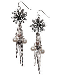 Flower earrings with tassel