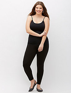 SlimFit Seamless Cami by Lysse