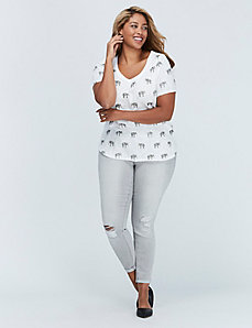 Scoop-Neck Graphic Tee