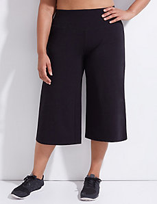 Signature Stretch Wide Leg Active Capri