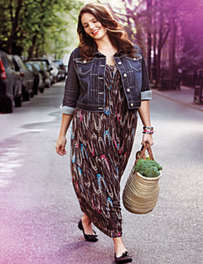 Maxi dress, denim jacket & tassel ballet flat