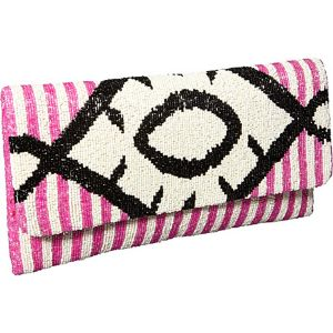 Clutch w/ Diamond pattern
