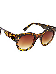 New Yorker Oval Fashion Sunglasses by SW Global