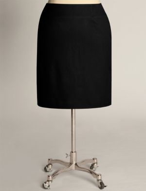 Classic Pencil Skirt in Black