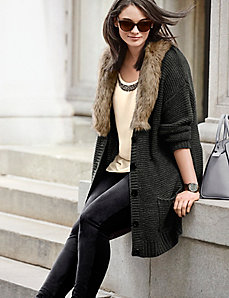 Sweater coat with fur collar