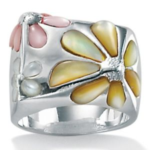 Mother-Of-Pearl SS Daisy Ring