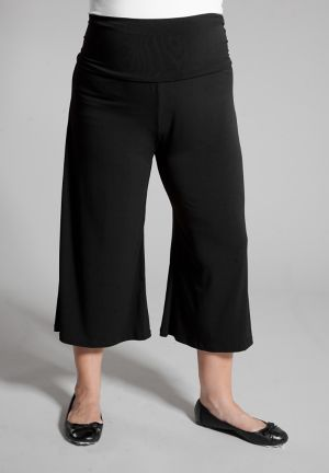 Essential Gaucho Pants in Black