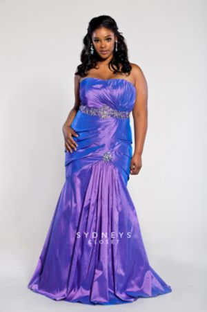 Plus Size Evening Gown in Iridescent Taffeta