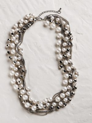Twisted Pearl and Silvery Necklace