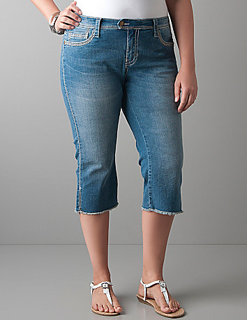 Full figure Raw edge denim capri by Seven7