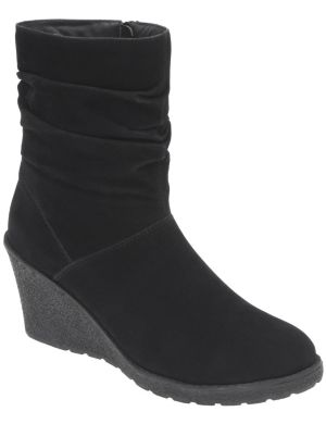 Slouched wedge boot