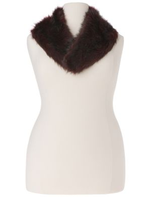 Faux fur collar with clip