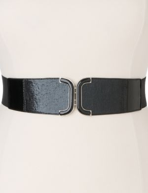 Curved stretch belt