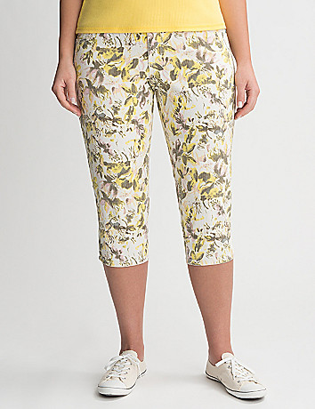 Full Figure Floral Denim Capri