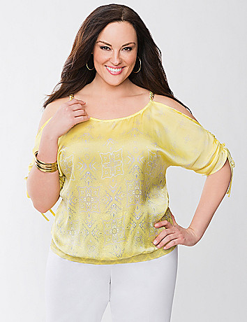 Cold shoulder top with chain