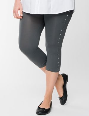 Square studded capri legging