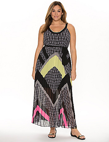 Graphic pleated maxi dress