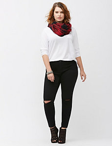 Destructed super skinny jean