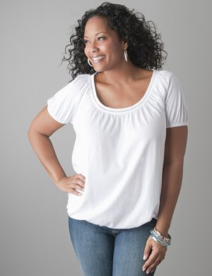 Crochet trim tee with banded bottom