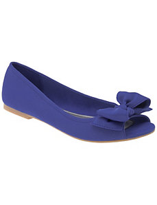 Peep toe flat with bow