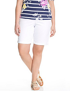 Genius Fit™ white Bermuda short