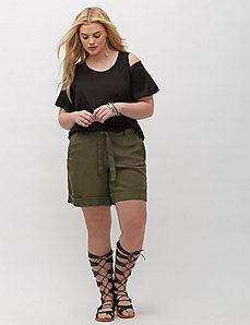 Linen Short with Tie Belt