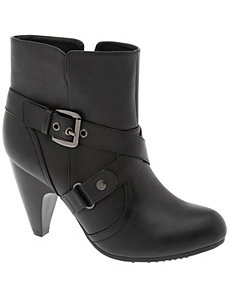 Ankle boot with straps