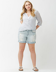 Distressed denim short by Seven7