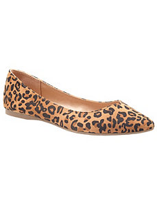 Leopard pointed toe flat