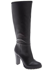 Stretch boot with lug heel