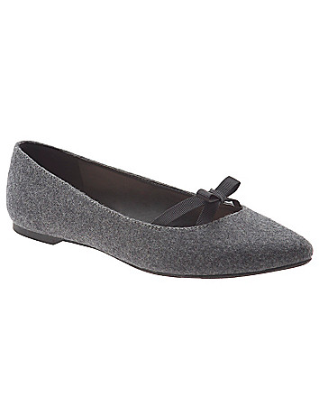 Pointed toe flat with bow
